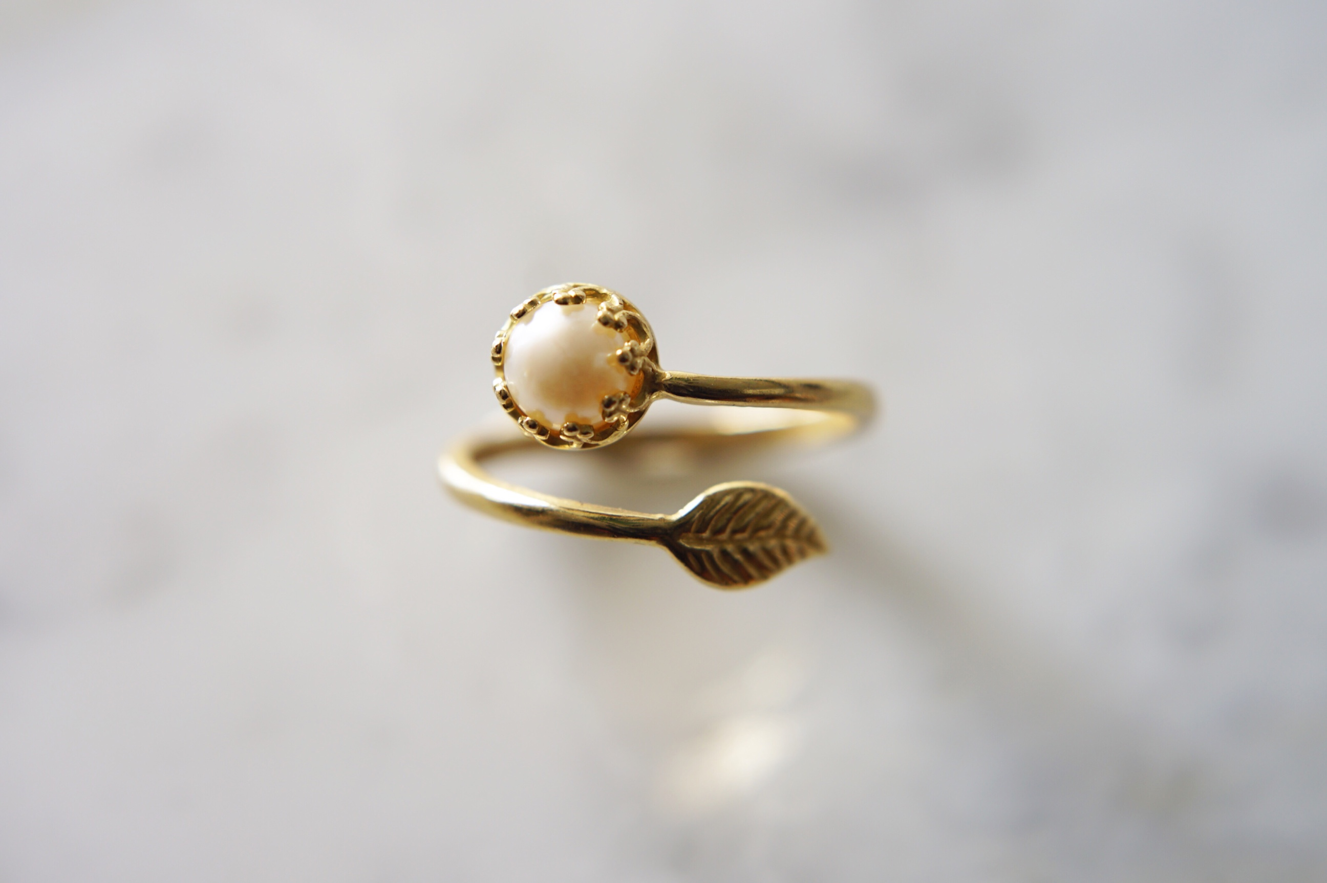 pearl-and-leaf-brass-ring